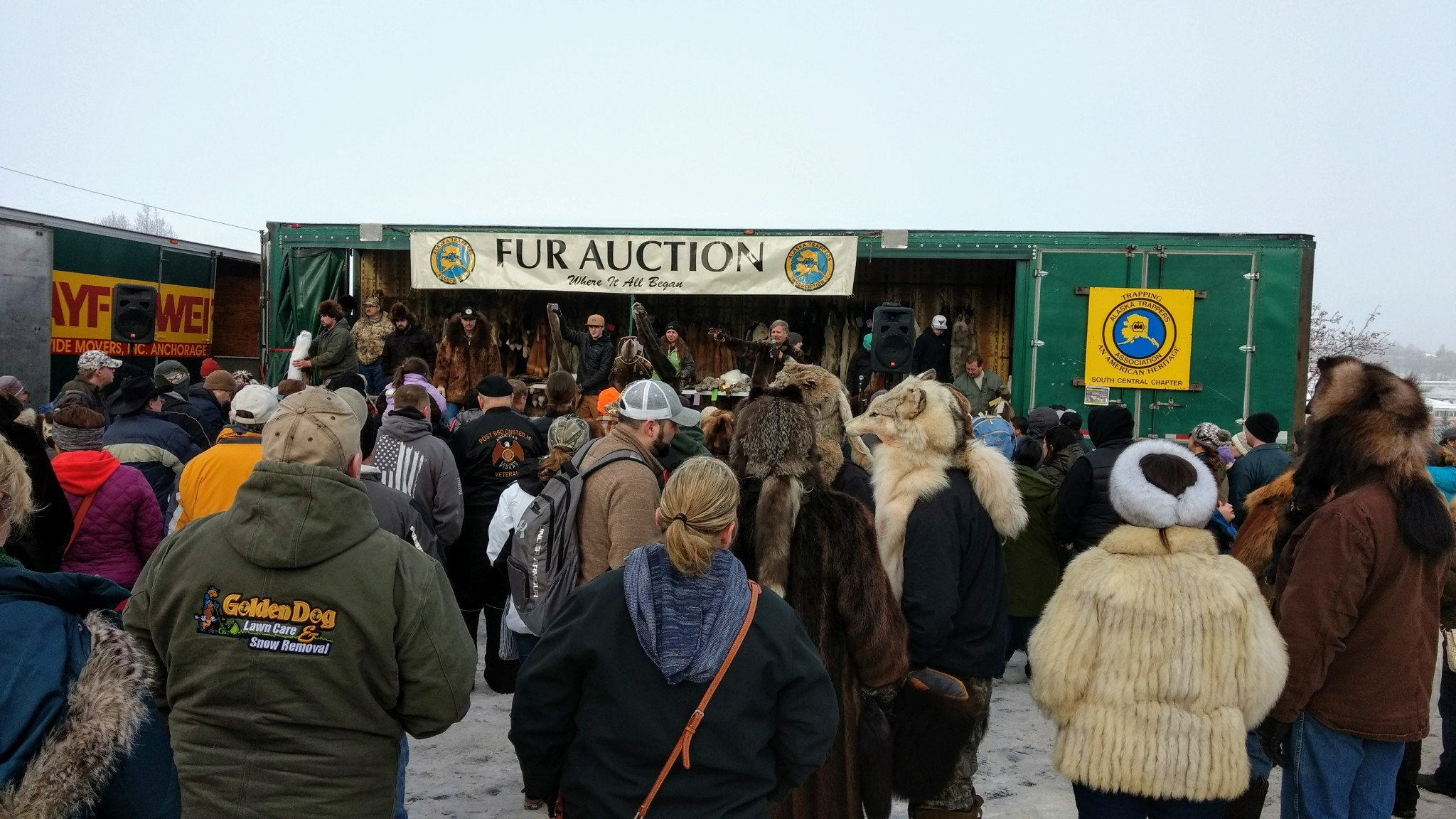 Live - Official Day #1 Start of the 2020 Fur Rondy Sled
